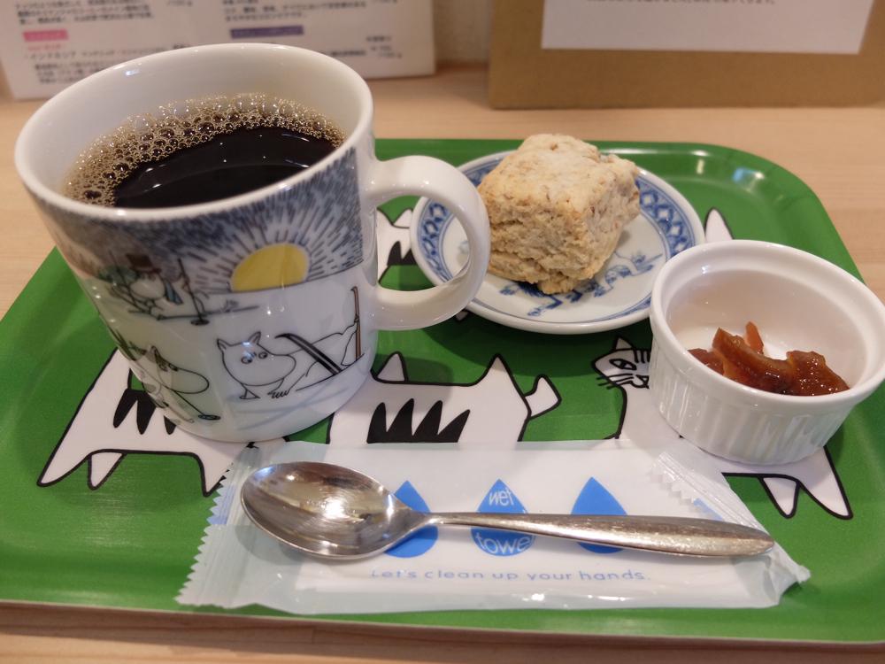 コーヒーとスコーン