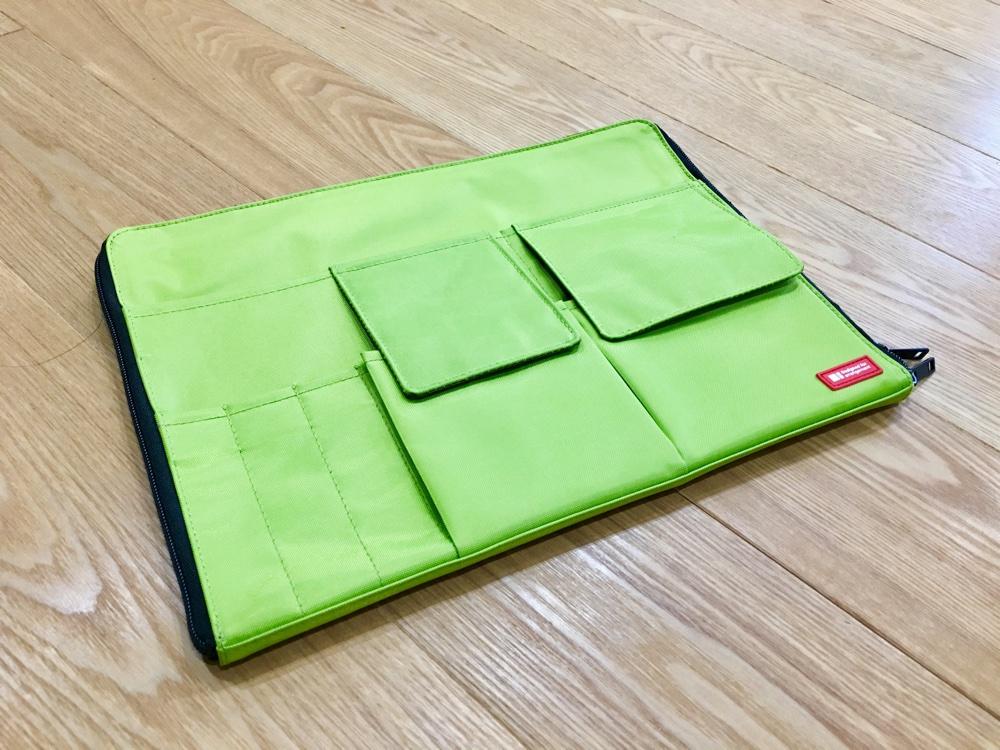 リヒトラブのA4バッグインバッグ黄緑色