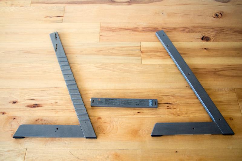 ストッケ・トリップトラップのL字板と横木を組み立て