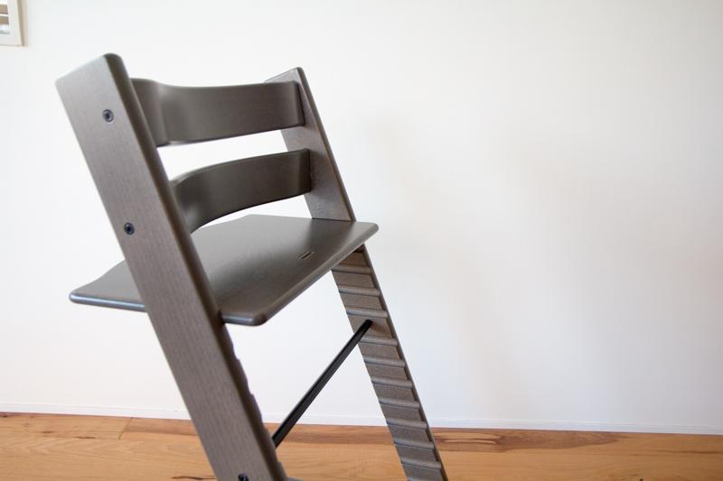 ストッケ・トリップトラップの座面の奥行き調整