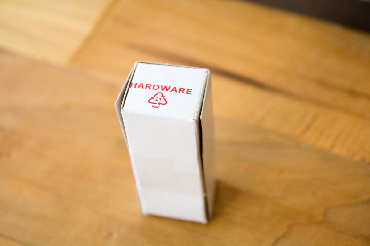 トリップトラップのネジ類が入った箱