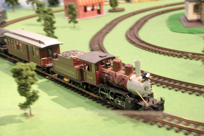 おもちゃの電車のスピード感