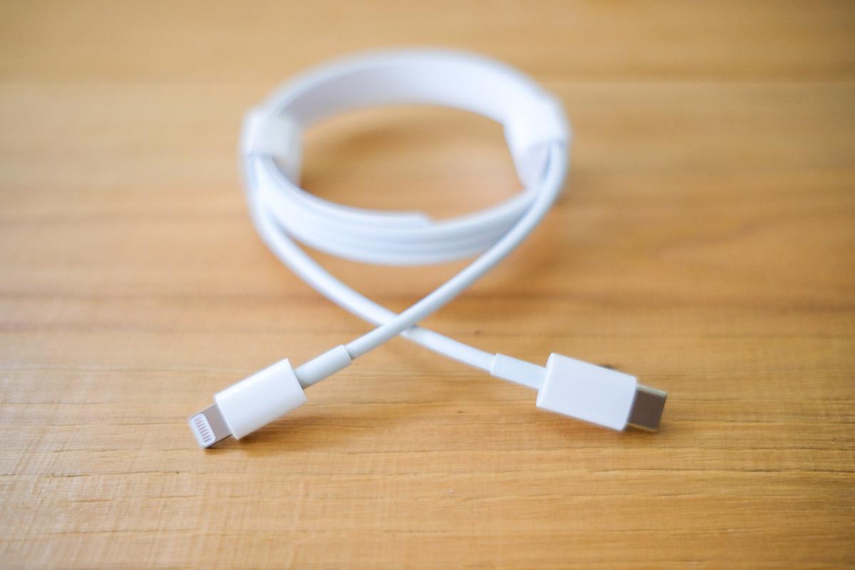 USB-CのLightningケーブル