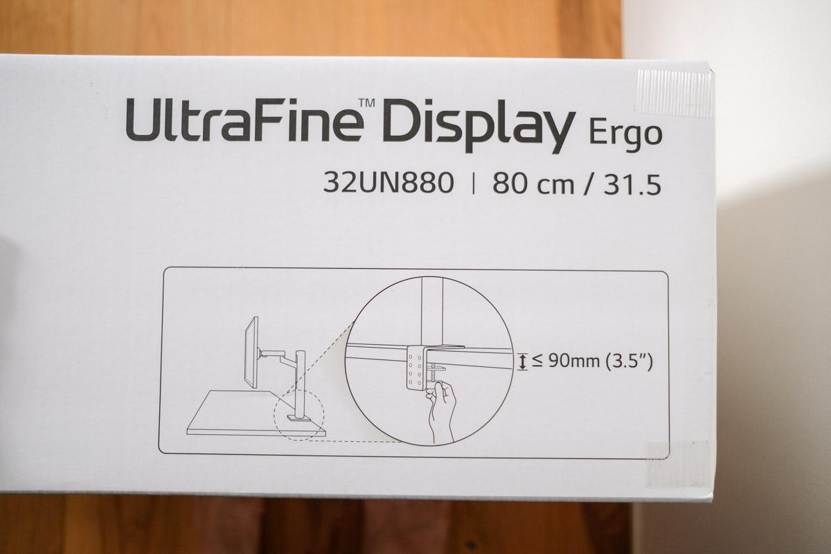LG 32UN880-B外箱の取り付け可能サイズの表示