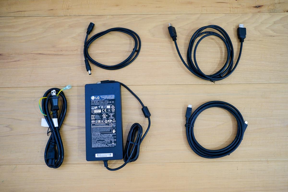 LG 32UN880-Bの同梱ケーブル