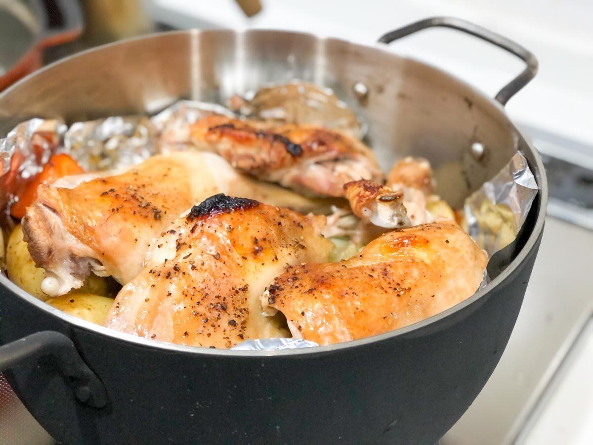 TSBBQライトステンレスダッチオーブンで作った骨付鳥のやきあがり写真