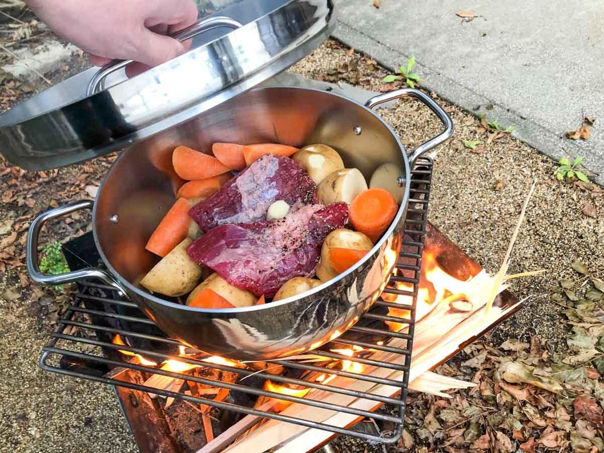 TSBBQライトステンレスダッチオーブンで作るローストビーフの準備
